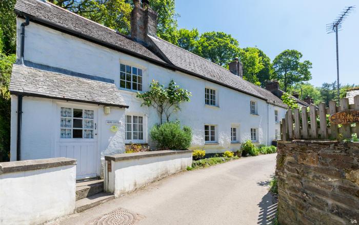Hope Cottage, Helford