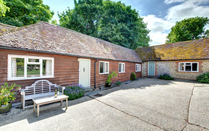 4 Byre Cottages, Storrington