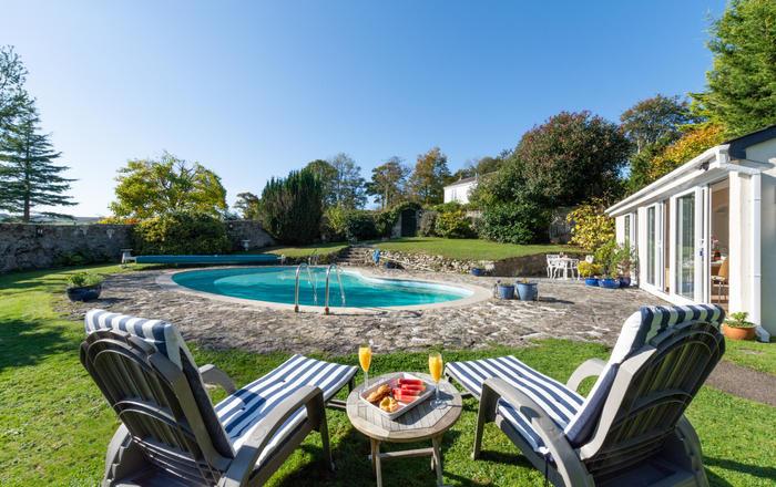 The Pool House, Duloe