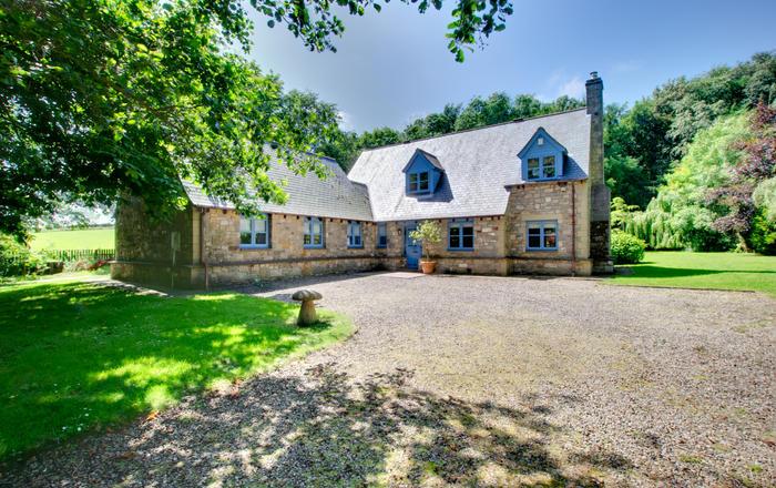 Blue Poppy House (formerly Chesterdene), Waren Mill