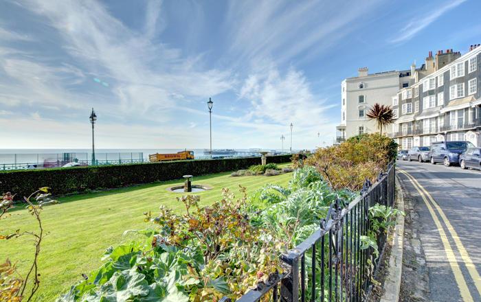 Royal Crescent, Brighton