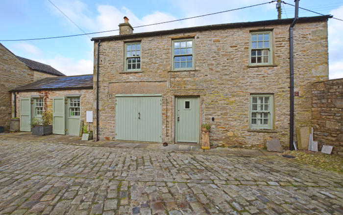 Holme House Stables, Hawes