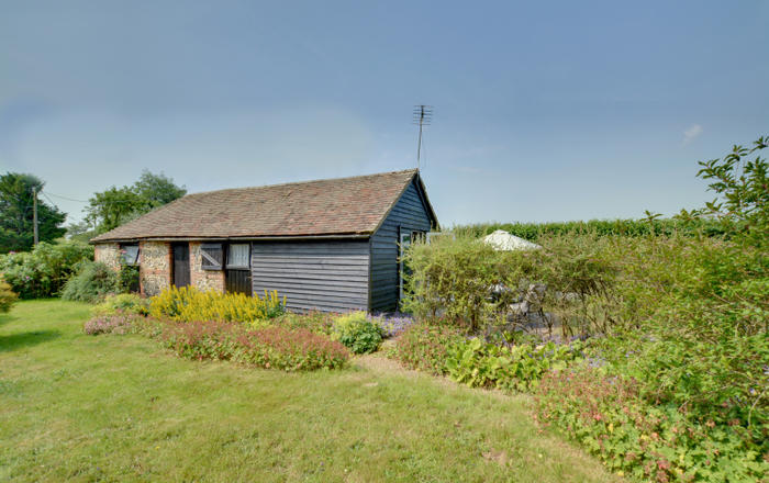 Cavalry Farm Cottage, Stowting Common