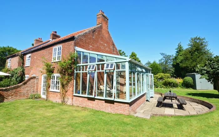 Watts Cottage, Upton