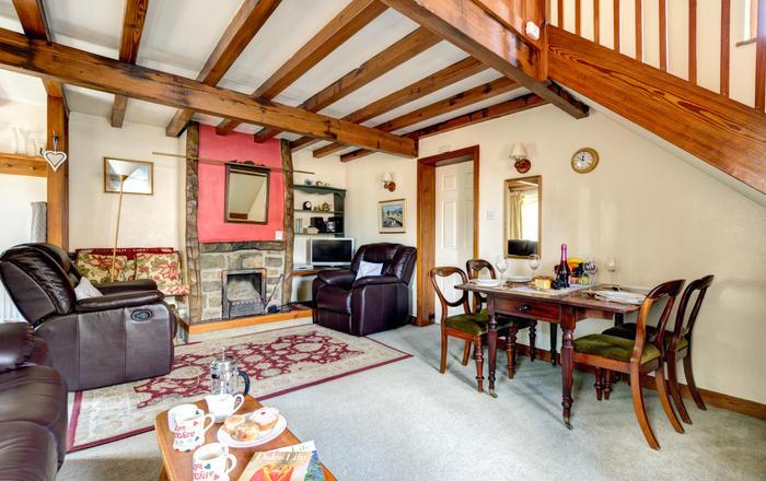 East Cottage, Thwaite