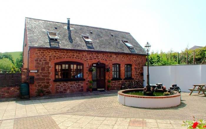Luccombe Barn, Exminster
