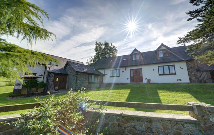 1 Derw Cottages, Caersws