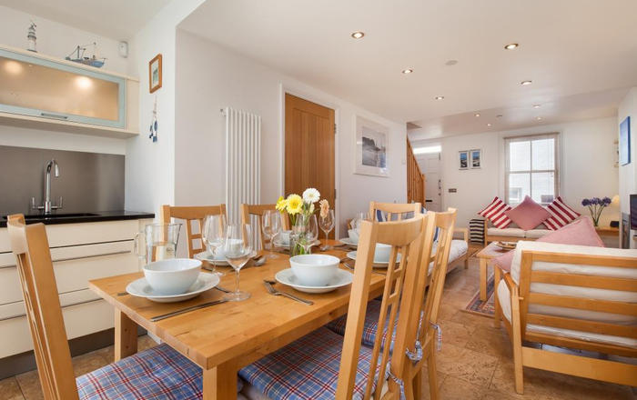 Coastguard Cottage for Couples, Shaldon