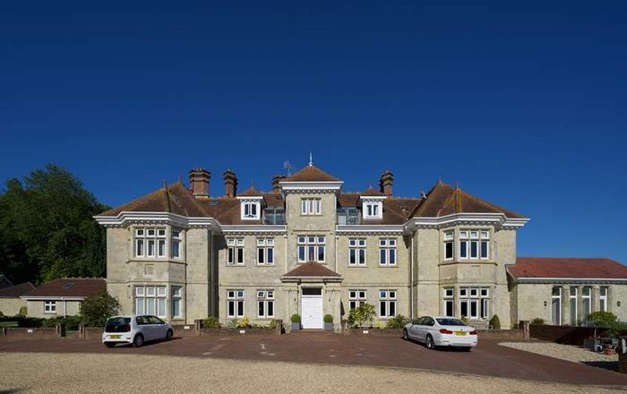 2 Shanklin Manor,