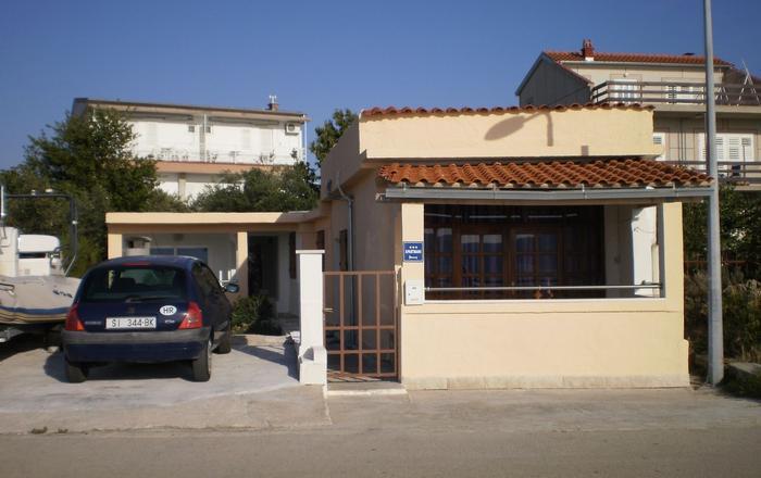 Apartment Vito A1 Brodarica, Riviera Sibenik, Brodarica