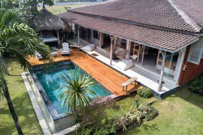 Santai Beach House - Bali villa