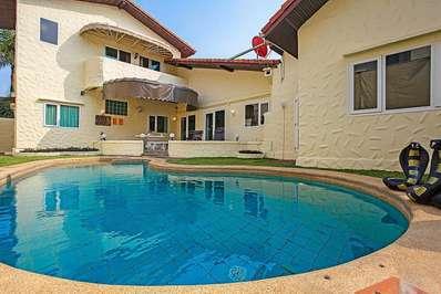 Nai Mueang Far Villa