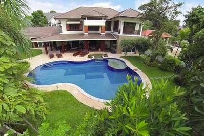 Lanna Karuehaad Villa - Chiang Mai villa