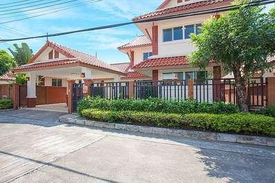Timberland Villa 402 - Pattaya villa