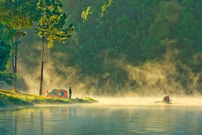 A beautiful setting for camping on the lake in Pang Ung Mae Hong Son