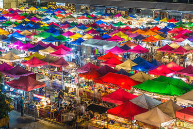 The Talad Rot Fai offers row upon row of colourful stalls