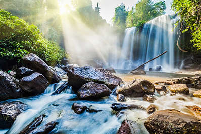 Cha-Ong-waterfall-in-Ratanakiri-Cambodia