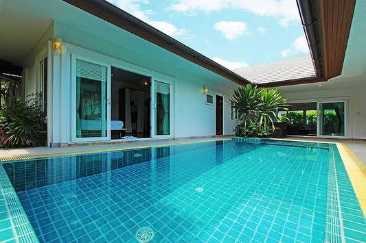 Autumn Breeze Villa - Pattaya
