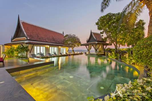 Black Swan Villa - Pattaya
