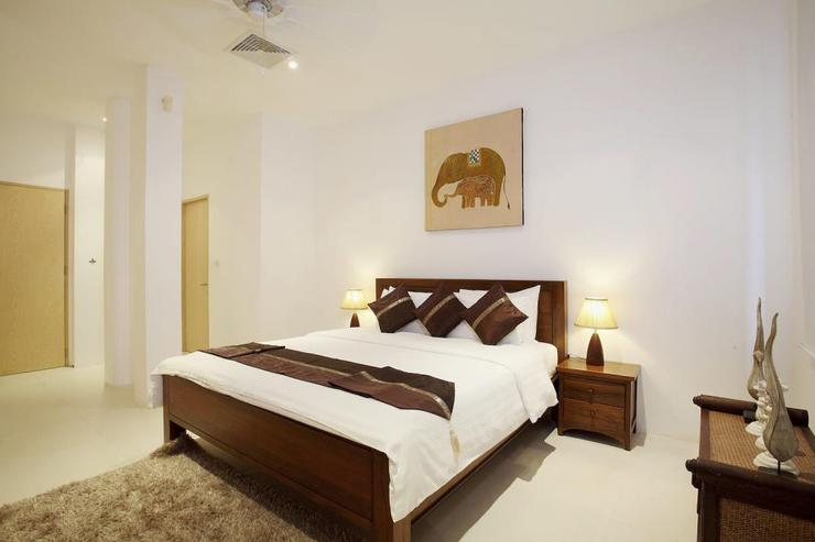 Bedroom 5 with king-size bed and en-suite bathroom