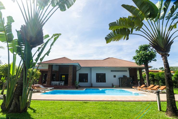 Baan Oriental Chic Pool Villa
