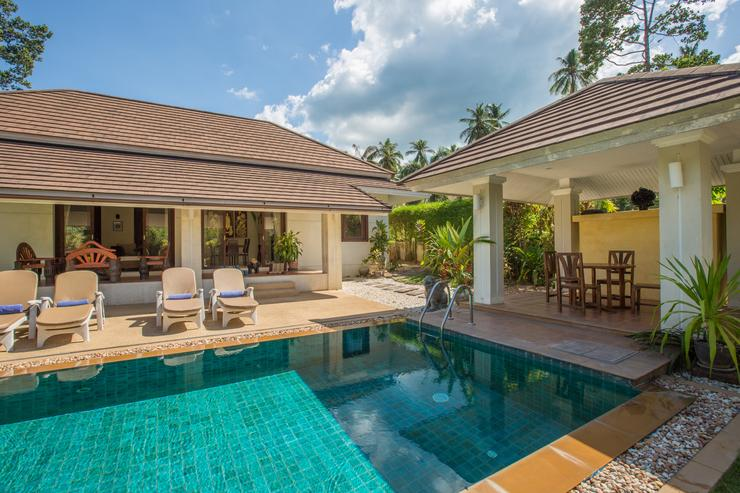 Baan Tan Ta Wan - Private pool and dining sala