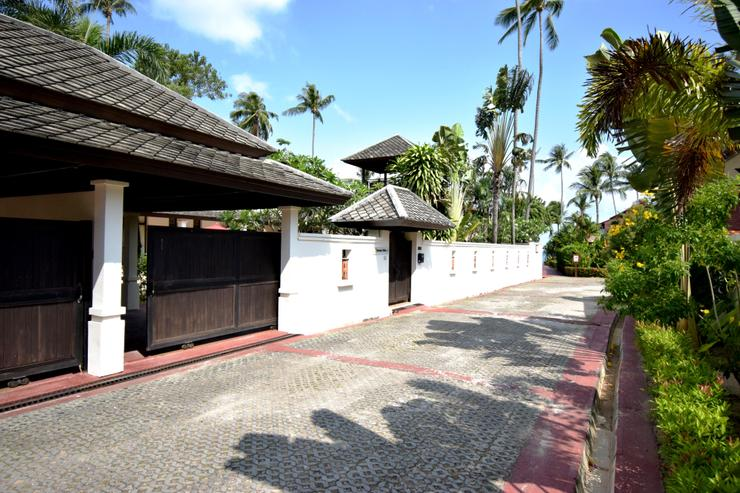 Banyan Villa 1 - Approach - Vehicle Entrance