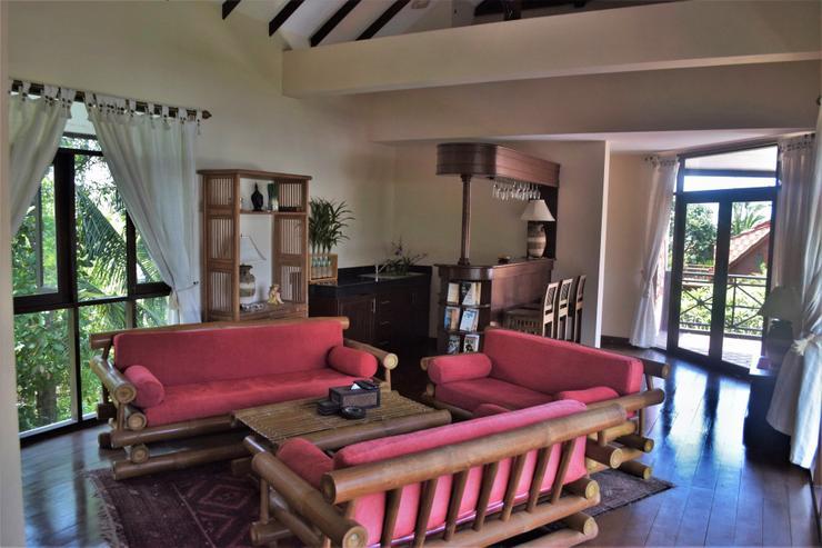 Banyan Villa 1 -  Upstairs Living Room & Bar