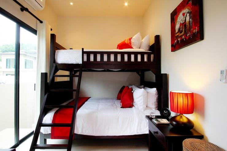 Crystal Villa (V04) - Bedroom 4 with queen-size bed and single bunk above