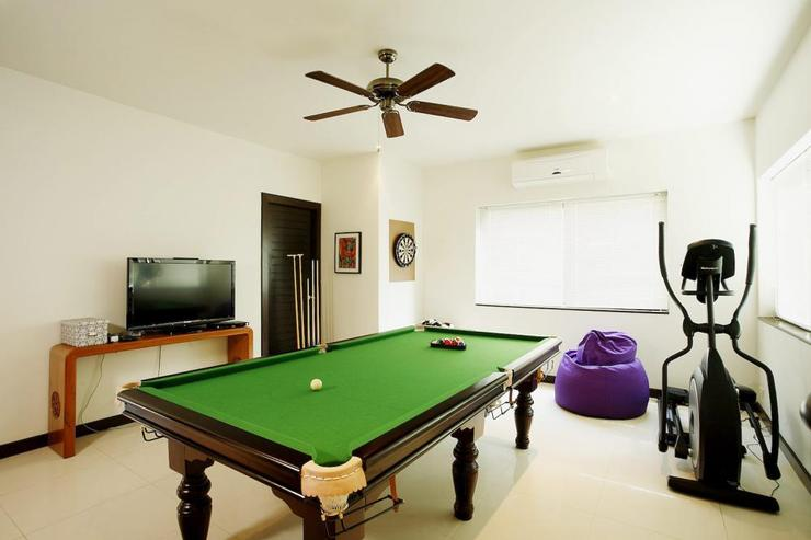Games room, complete with pool table and gym equipment