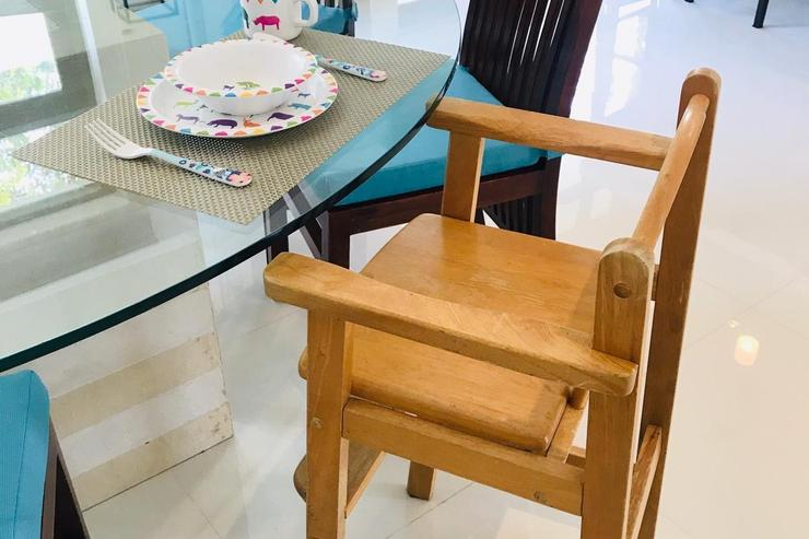 High chair available for children below 3yrs.  Children dining set provided