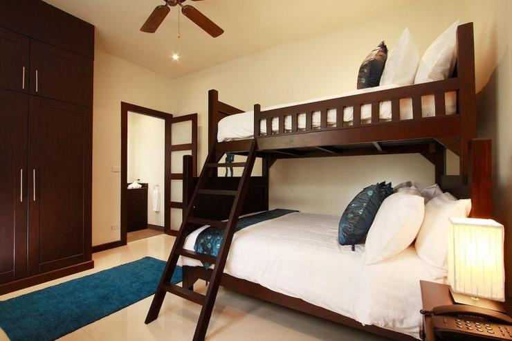 Gemstone Villa (V07) - Bedroom 4 with en-suite bathroom, air conditioning and ceiling fan