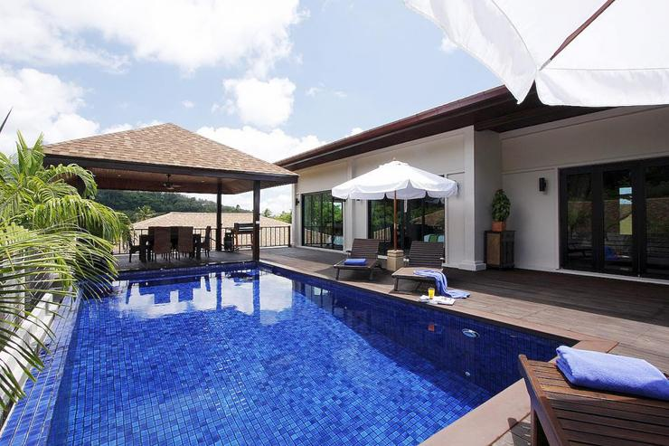 Moonstone Villa (V09) - Beautiful teak sun deck and private swimming pool