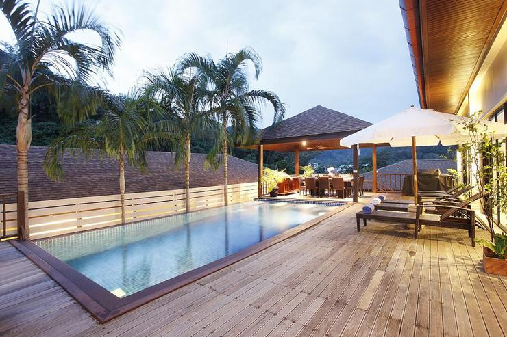 Moonstone Villa (V09) - Swimming pool, with adjacent sala and stylish teak sundeck