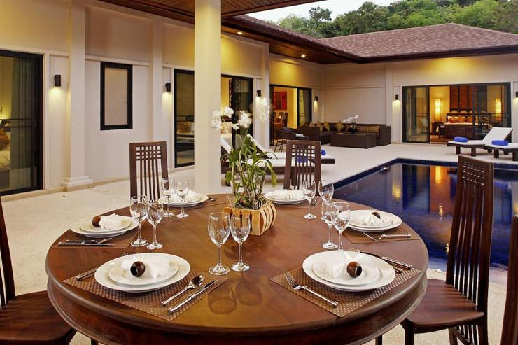 Sapphire Villa (V14) - Outide dining area in the sala, adjacent to the swimming pool, perfect BBQs in the evenings