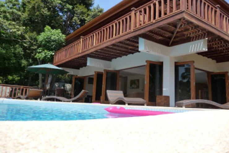 Villa Vadee Koh Phangan - Free form swimming pool and sun deck