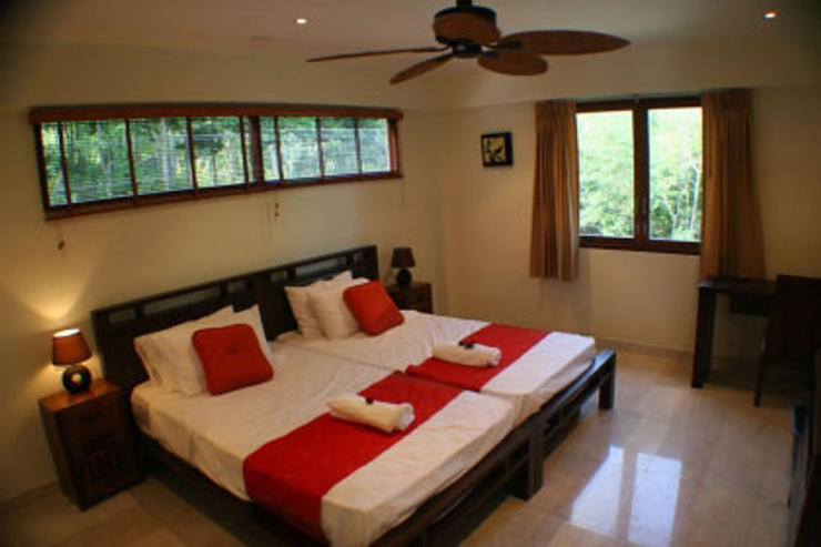 Villa Vadee Koh Phangan - Bedroom No.2 with Balcony overlooking the bay