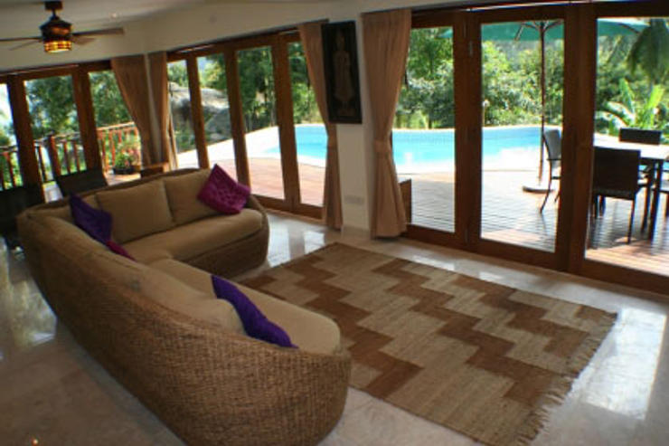 Villa Vadee Koh Phangan - Comfortable Living Area with Satellite TV / DVD / Music Centre