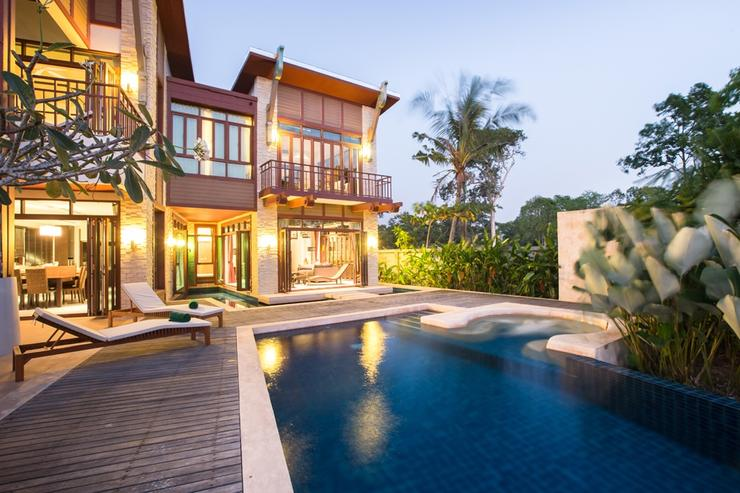 Amatapura Beach Beachfront Villa 1 - image gallery 9
