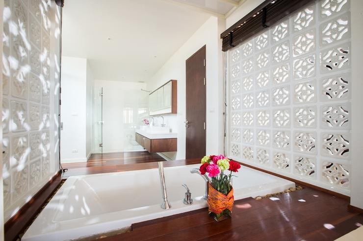 Amatapura Beach Beachfront Villa 1 - image gallery 23