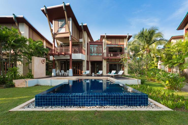 Amatapura Beach Villa Beachfront 12 - image gallery 2