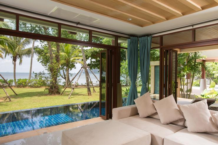 Amatapura Beach Villa Beachfront 14 - image gallery 2