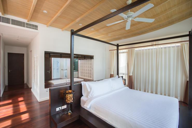Amatapura Beach Villa Beachfront 14 - image gallery 11