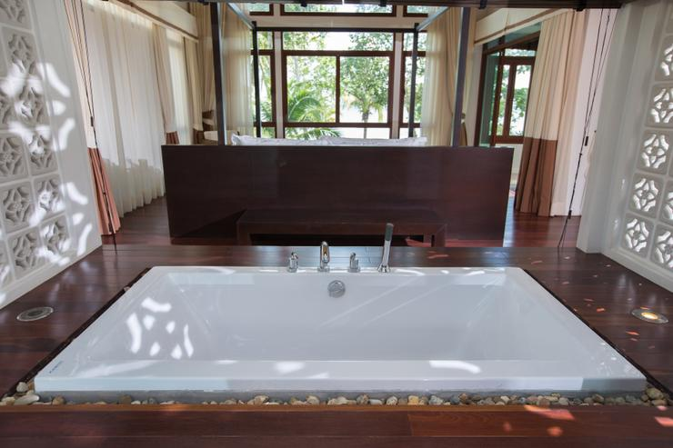 Amatapura Beach Villa Beachfront 14 - image gallery 14