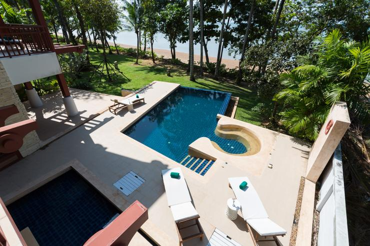 Amatapura Beach Villa Beachfront 15 - image gallery 7