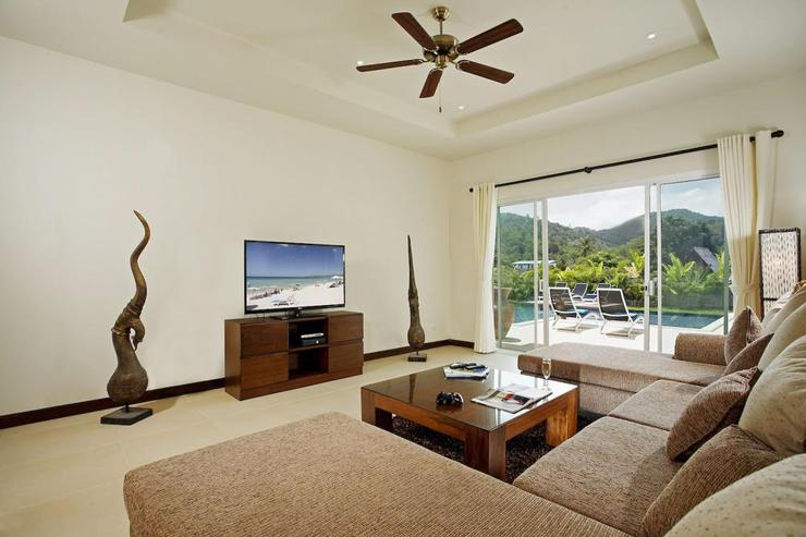 Amber villa (V01) - Second living room with large sofa, with large 50 inch TV