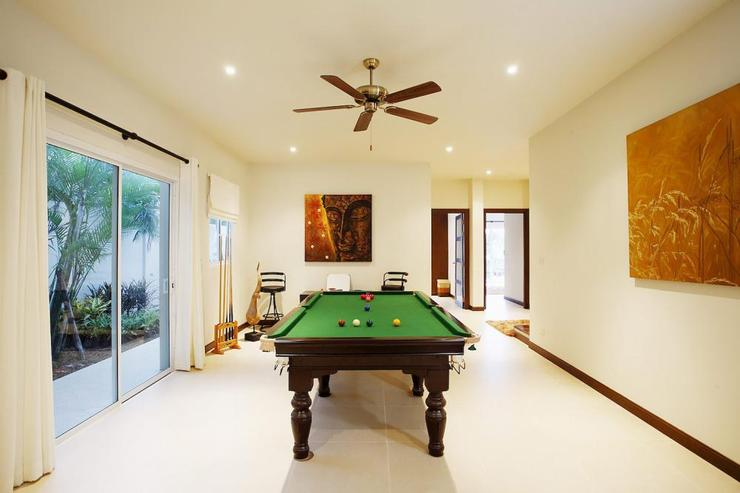 Amber villa (V01) - Games room, with pool table and gym equipment