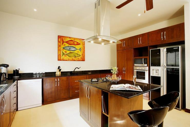Amber villa (V01) - Substantial Western-style kitchen, fully-equipped with all appliances