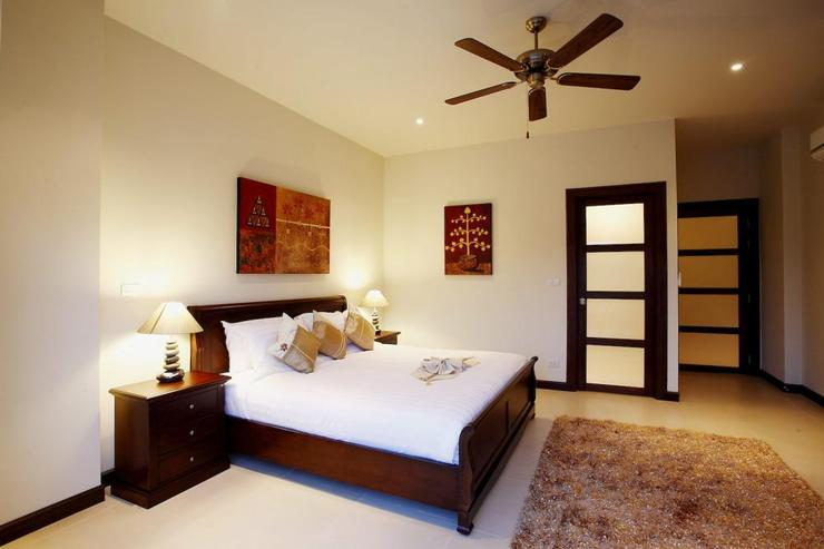 Amber villa (V01) - Bedroom 4, with en-suite bathroom, air-conditioning and ceiling fan