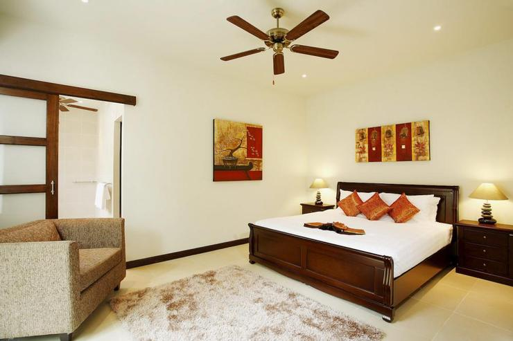 Amber villa (V01) - Bedroom 5 (downstairs), with comfortable king-size bed